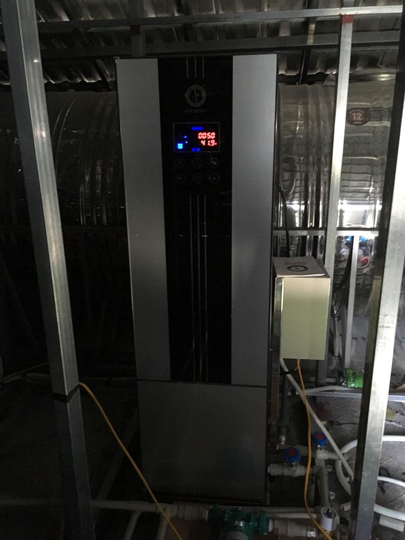 Lắp đặt máy bơm nhiệt nước nóng gia đình cho biệt thự Thuỷ nguyên Hải Phòng