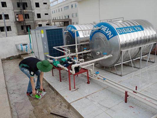 lap dat may bom nhiet heat pump cho resort